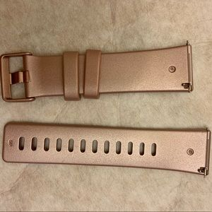 Rose gold Fitbit Versa band